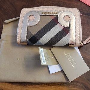 Burberry Marston Medium Zip Wallet